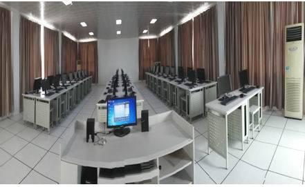 学校微机室